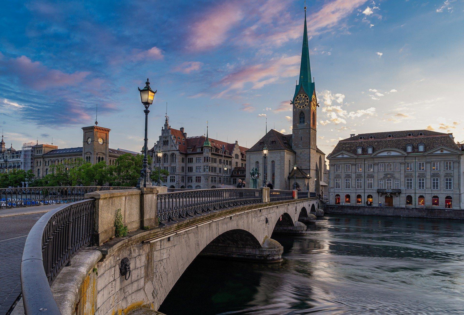 武装中立国の核兵器開発の経緯:スイスとスウェーデン