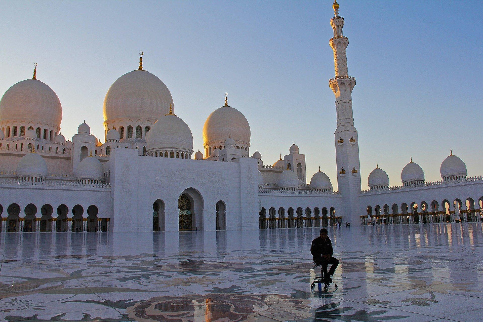 静かなるイスラム革命:マドハリ学派の……野望?