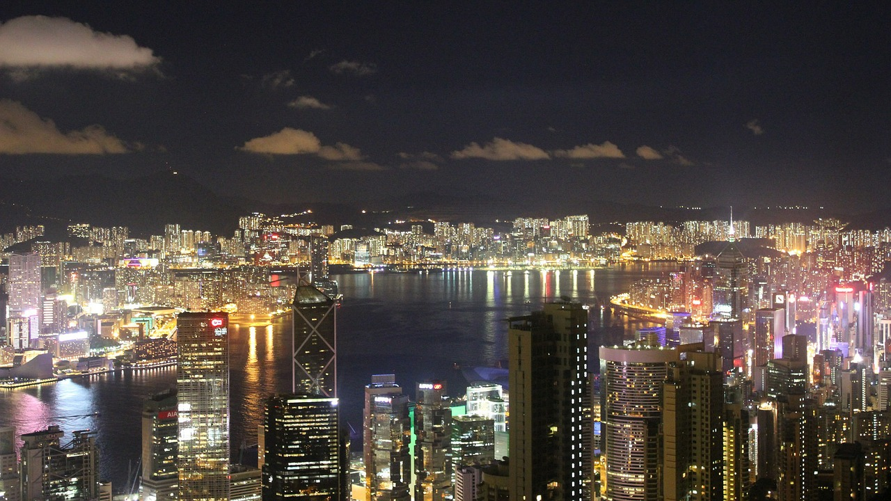 日本が歩むグローバル金融センターへの道(2)域外利益を捨てた香港