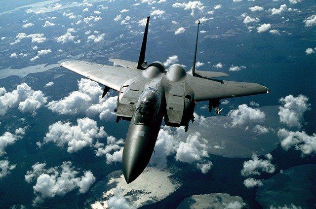 中国とロシアの爆撃機による日本周辺空域での共同飛行について