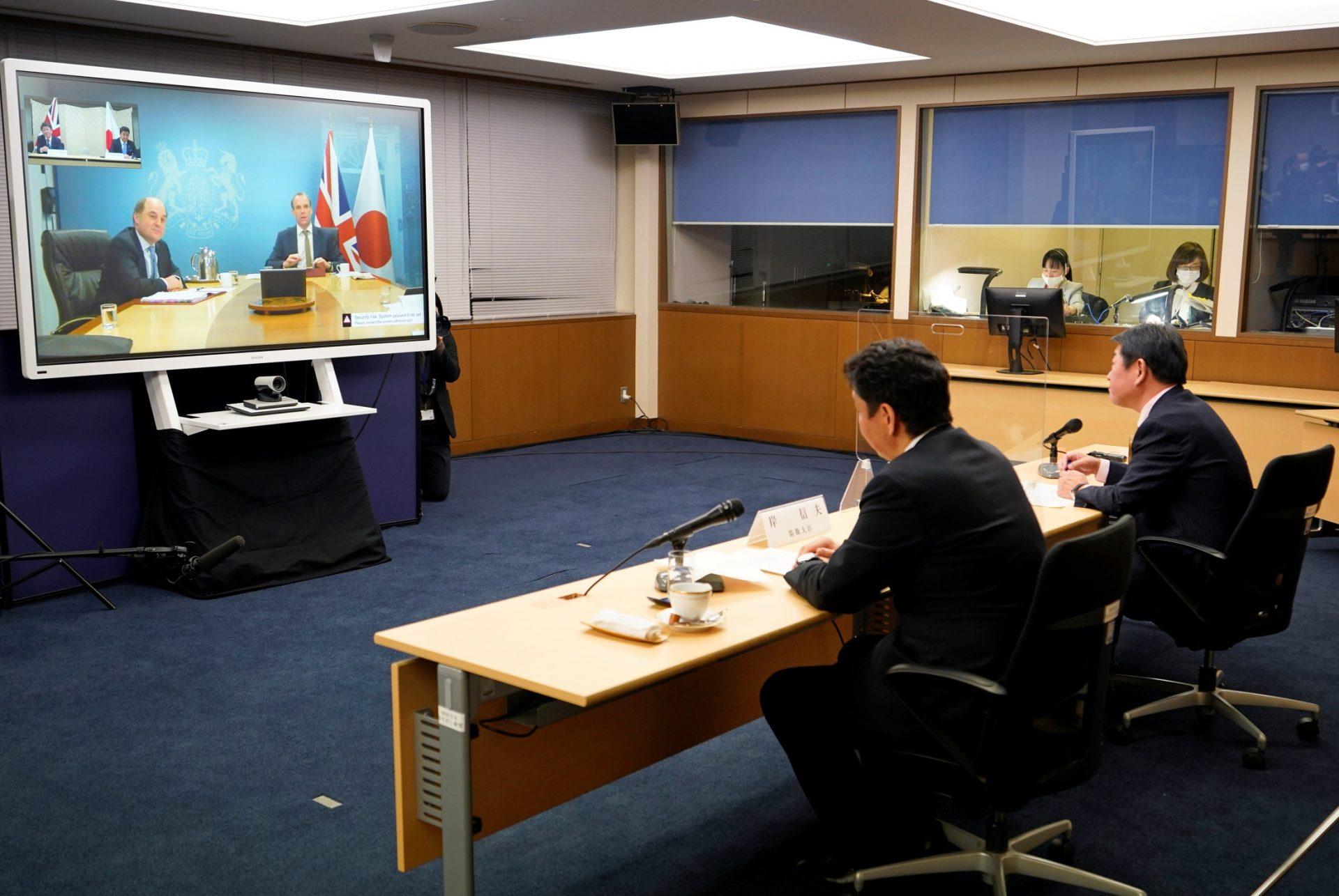 進展する2国間協議