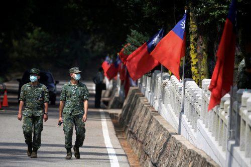 台湾海峡危機に関する議論が伯仲(元統合幕僚長の岩崎氏)