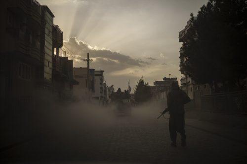 アフガン退避、成否を分けた紛争国の相場観