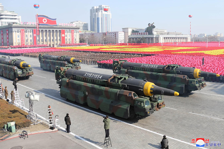 深夜の軍事パレードが意味するもの-北朝鮮建国73周年軍事パレード-